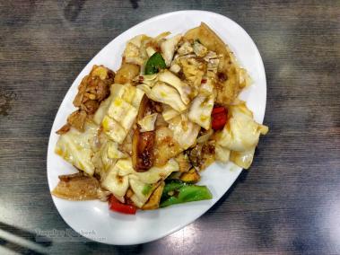 Sliced Pork with Garlic Pepper Cabbage (72 HKD)