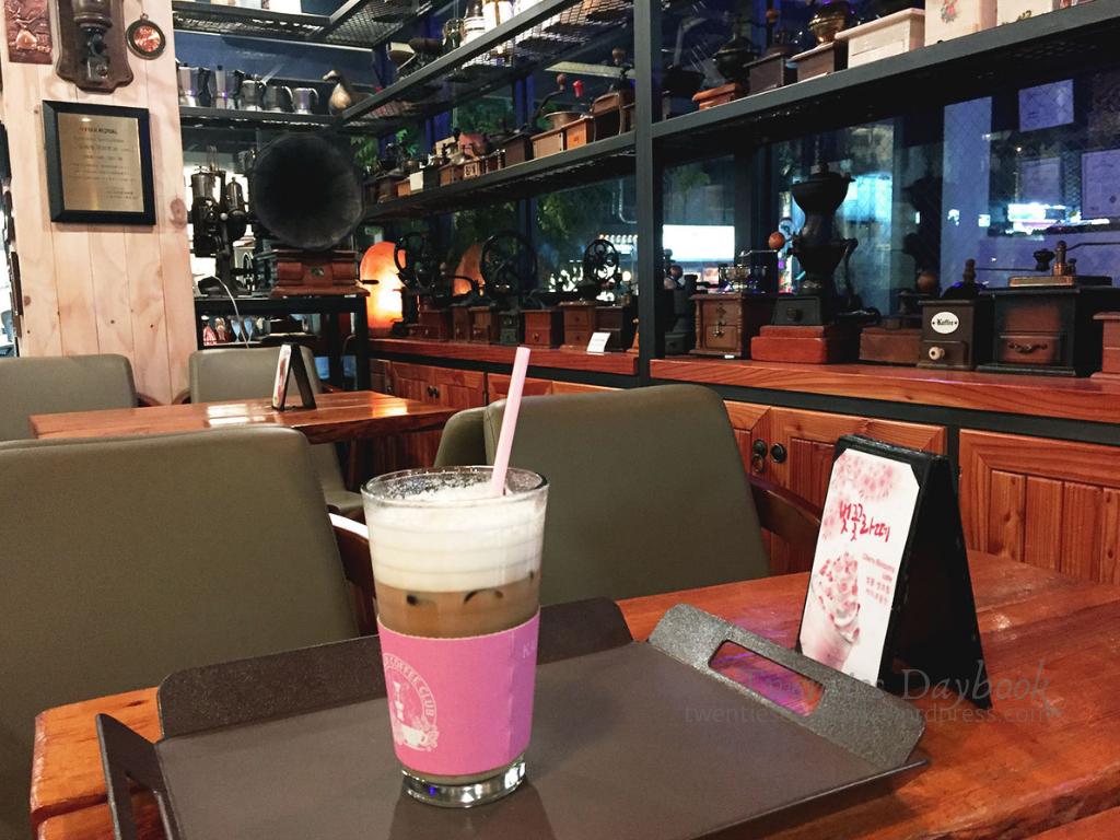 day 4d - hongdae - kaldi coffee