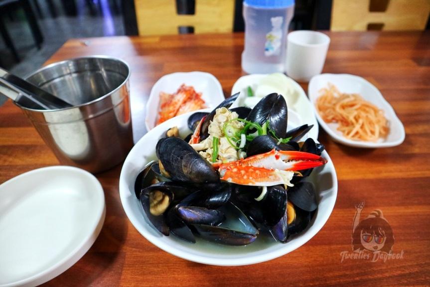 Where to Eat in Seogwipo: Soldongsan Meat Noodles [솔동산고기국수]